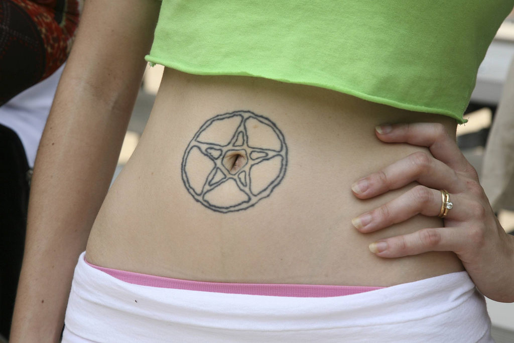 bellybuttontattoo-flickr